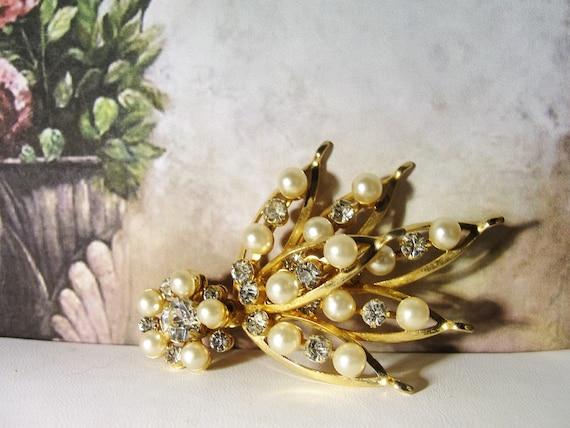 Pearl Brooch, Vintage Pearl & Rhinestone Bouquet … - image 6