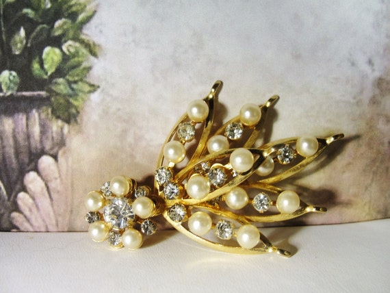 Pearl Brooch, Vintage Pearl & Rhinestone Bouquet … - image 2