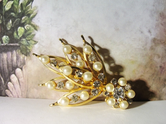 Pearl Brooch, Vintage Pearl & Rhinestone Bouquet … - image 1