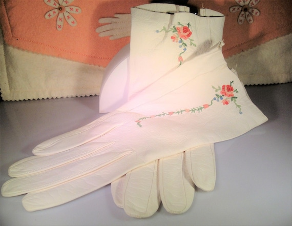 Embroidered Gloves, Ladies Embroidered Leather Glo