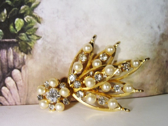 Pearl Brooch, Vintage Pearl & Rhinestone Bouquet … - image 4