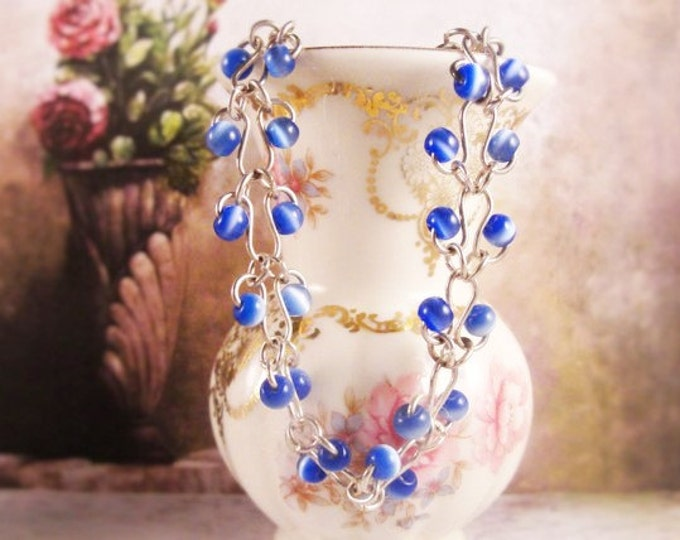 Bead Necklace, Blue and White Beaded Necklace, Interlocking Chain Necklace, Vintage Necklace, 15 Inches Plus 2 Inch Extender