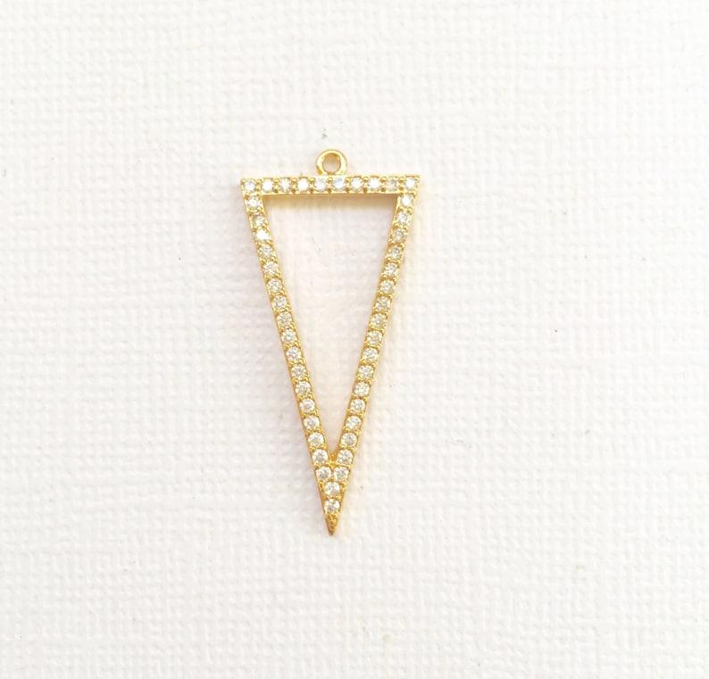 Wholesale Pave Triangle CZ Triangle Pendant Cubic Zirconia Charm 20x15mm Rhodium Plated Micro Pave Triangle Charm CZ058