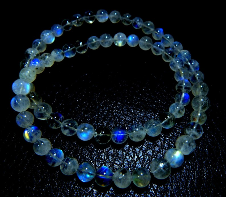 63/%OFF White Rainbow Moonstone Blue Flashy Smooth Beads Round Shape Size 7x9.5.mm Approx Top Quality Wholesale Price New Arrival