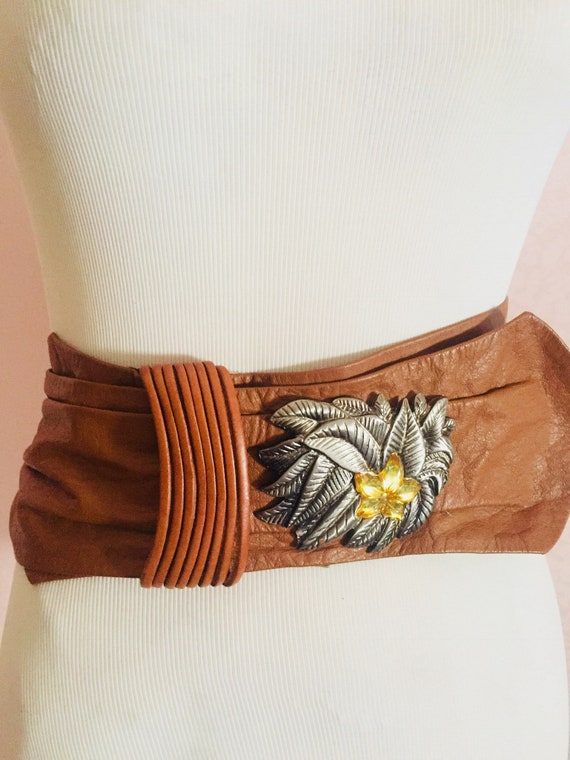 Vintage belt, with flower, 80s, leather, woman