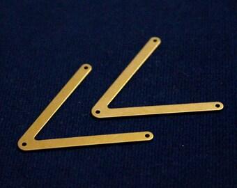 20 pcs 3x31x34 mm Chevrons Raw Brass, Three Hole, 25 Gauge ( 0.45 mm )