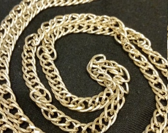 Vintage Avon 32 inch Goldtone Necklace