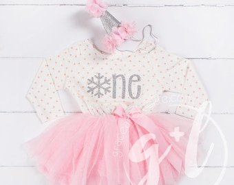 Winter onederland, First Birthday outfit, Pink and silver birthday outfit, 1st birthday outfit, 1st birthday dress, polka dots, snowflake