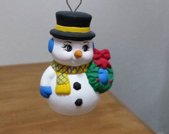 Ceramic Snowmen with Carrot Nose with wreath (#91C)