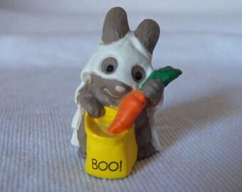 Vintage 1989 Hallmark Merry Miniature - Boo Bunny - QFM1565