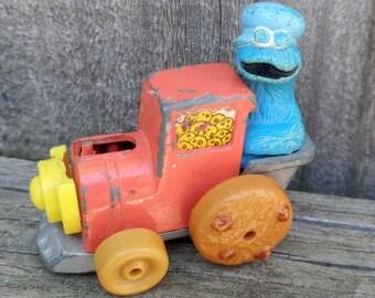 Vintage 1981 Playskool Sesame Street Muppets COOKIE MONSTER Diecast metal Toy Train