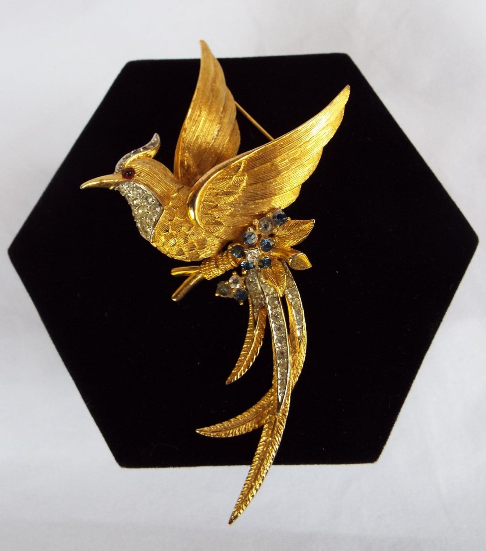 Delightful Irish diamante bird brooch