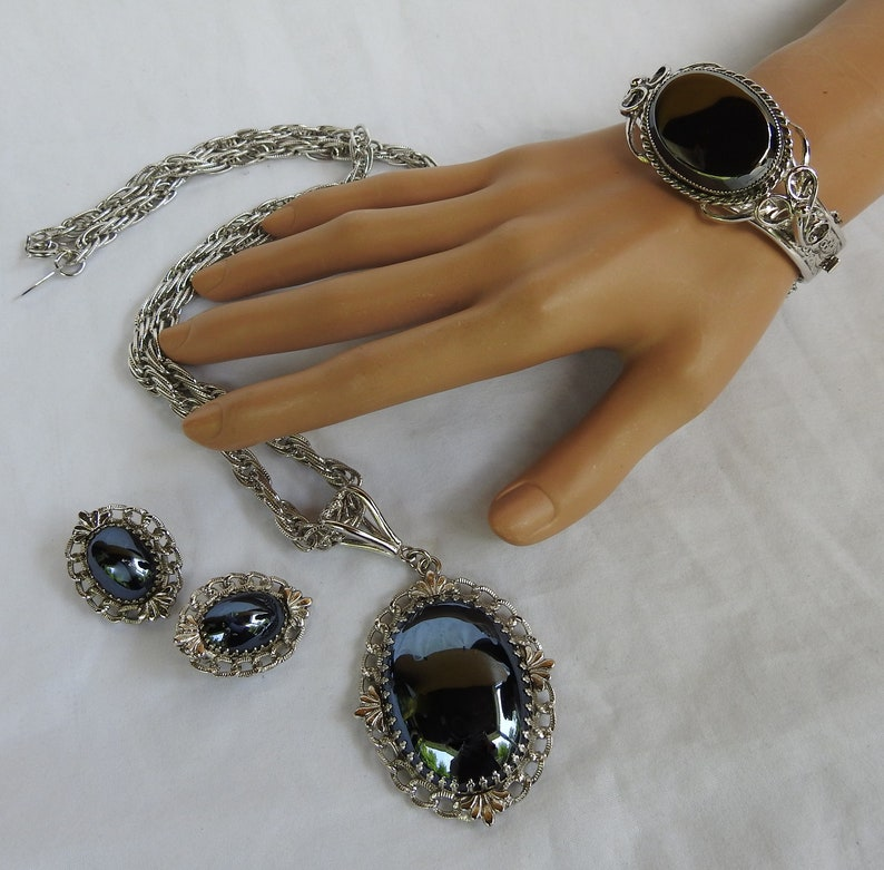 Vintage Whiting /& Davis 3 Piece Parure Silver Tone Art Deco Hematite Pendant and Bracelet with Matching Clip On Earrings