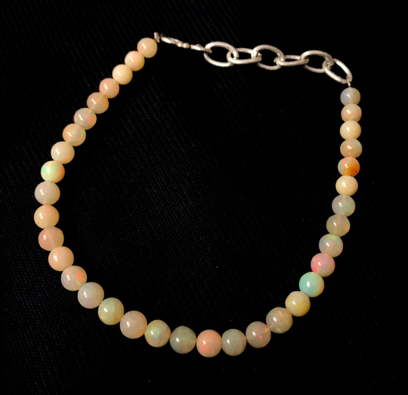 20.35 Carat Natural Ethiopian Opal Plain Round Bracelet With Adjustable Chain JP48