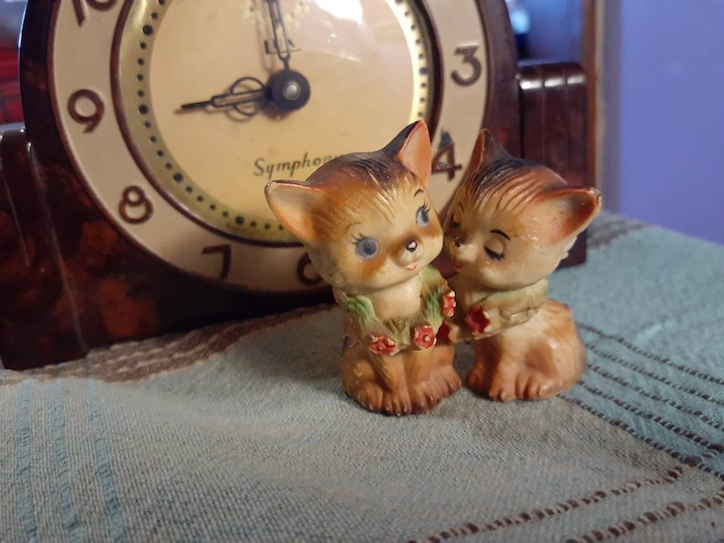Vintage Plastic Made in Hong Kong Cats with Roses Around Their Neck