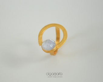 White Ring Gold Ring Gemstone Ring Mother of Pearl Ring Statement Jewelry Minimal jewelry Contemporary Ring Gift for Her Made in Greece Ring