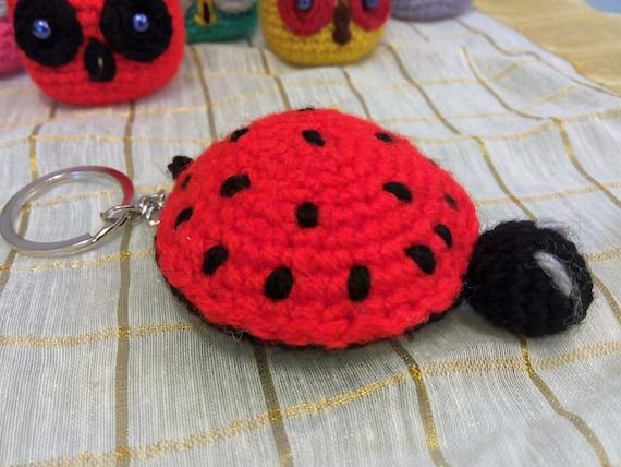 Free crochet pattern for ladybird (or ladybug) keyring | Crochet ... | 428x570