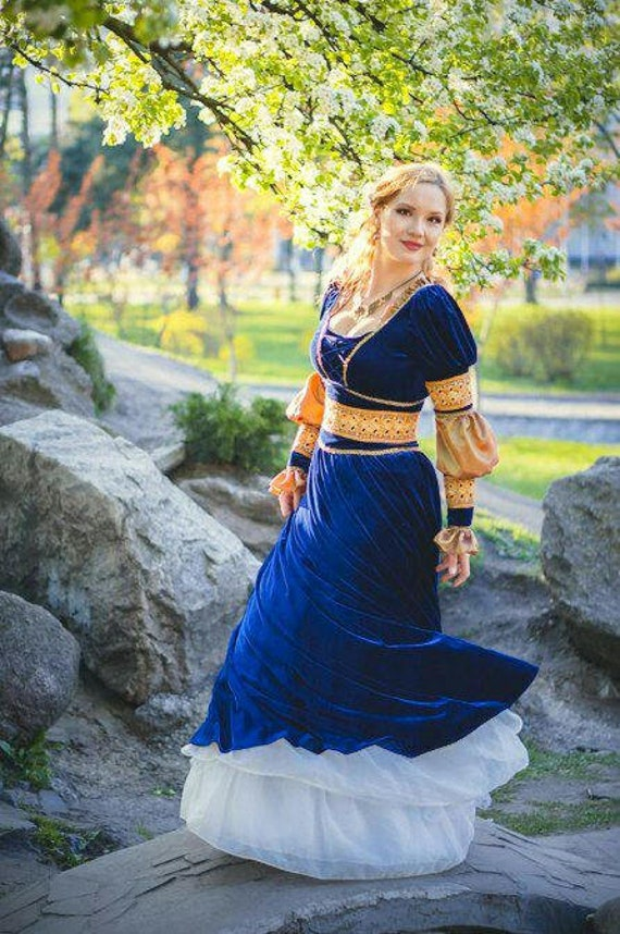 Renaissance dress blue velvet dress renaissance clothing | Etsy