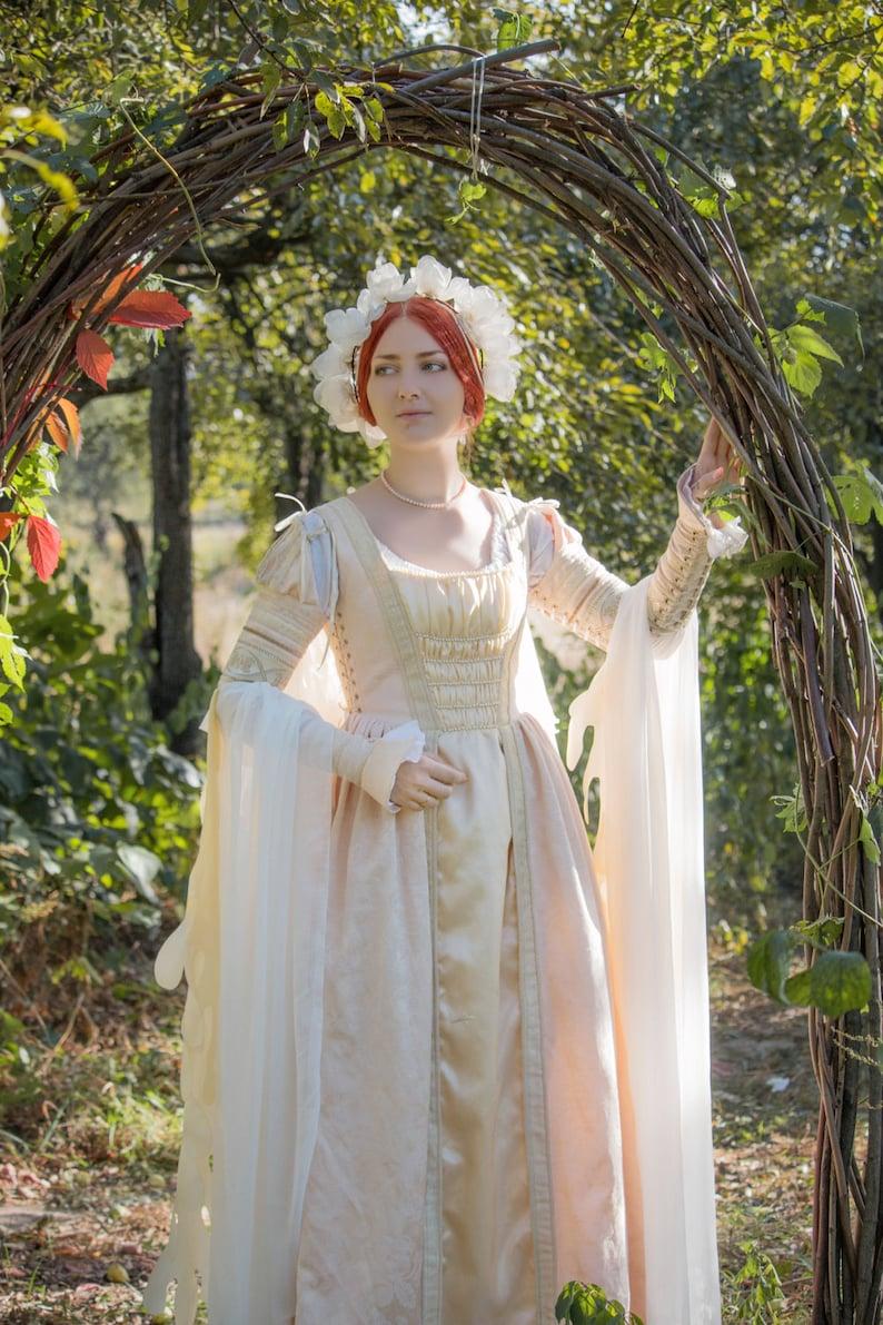 Renaissance faire costume renaissance wedding dress  867015956c0d