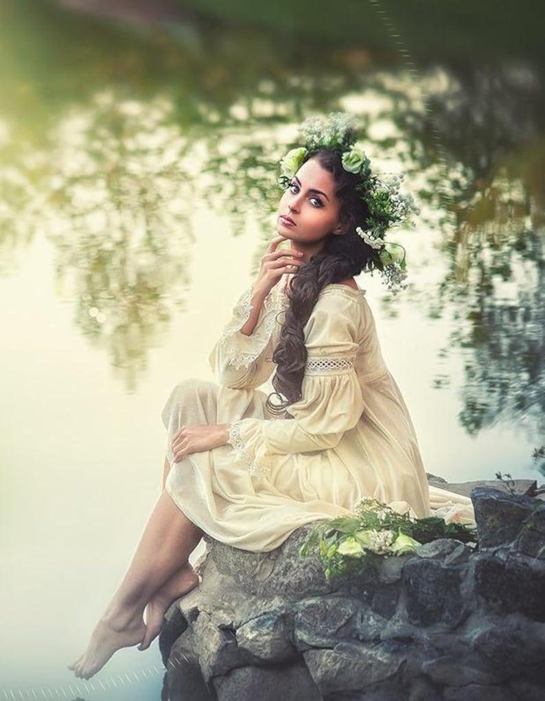 Renaissance milk dress, renaissance clothing, Italian renaissance,  renaissance gown, Italian costume, medieval wedding dress, velvet dress