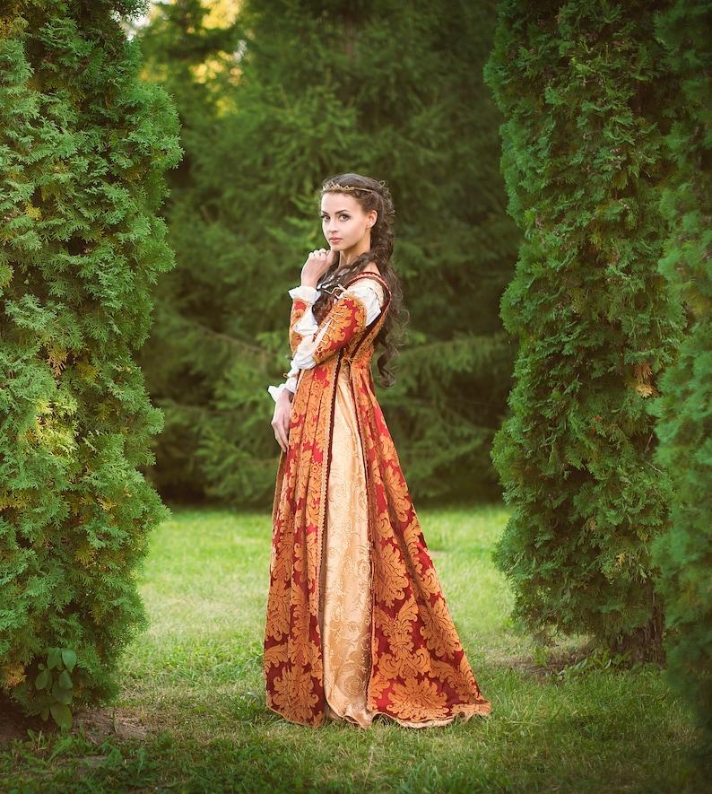 c4e9184616891 Italian Renaissance costume Juliet dress renaissance | Etsy