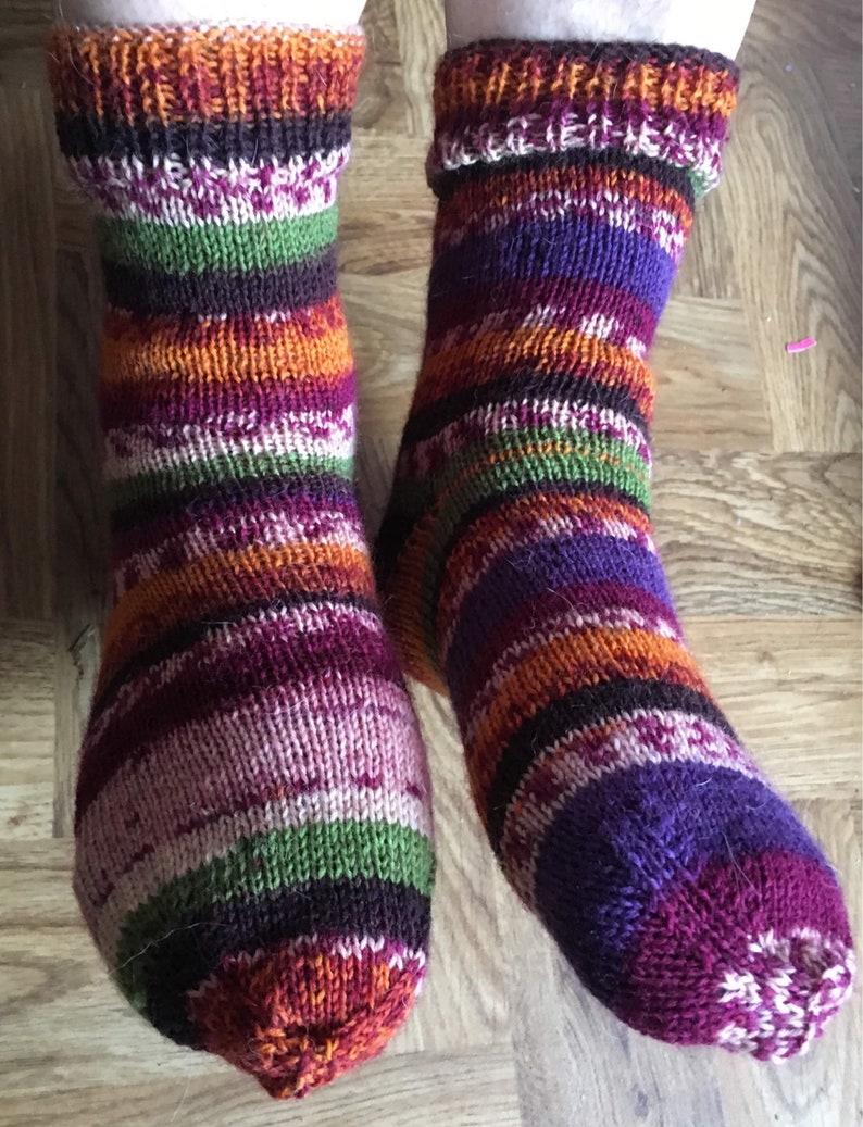 Mens and Women/'s socks