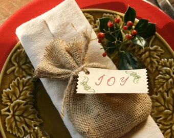 12 Holiday Burlap favor bags / Name cards