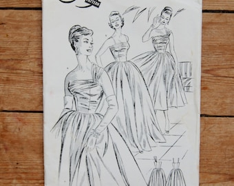 1950's Vintage Full Long Skirt Evening Prom Dressmaking Pattern size UK 6, 8