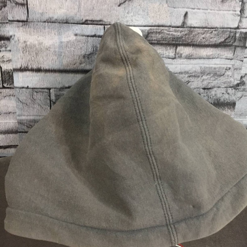 Vintage No Fear hoodie spellout pullover jumper. hip hop brand. size L gray vintage sweatshirt.
