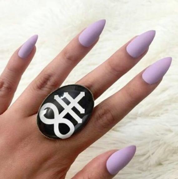 Lilac Nails (Glossy OR Matte) , Set of 20 , fake nails, false nails, press  on nails, purple nails, lavender nails, matt nails, matte black