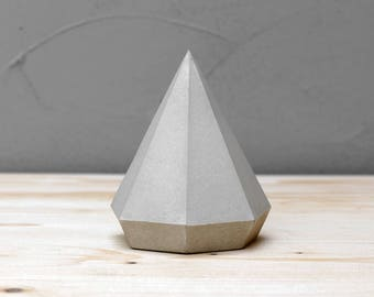 Paperweight, Concrete Diamond, Paperweights, Geometric Sculpture, Jewelry Stand, Modern Beton Diamant, Diamond, Geometric diamond, Geometric