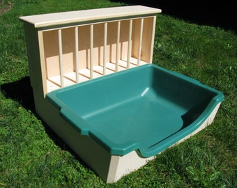 XL Easy Entry Hay Feeder / Litter Pan Combo