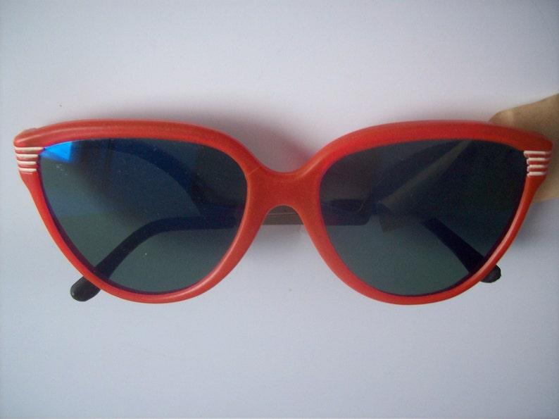 b4233bd32e1c Sunglasses / Cat eye Sunglasses /Cold War era | Etsy