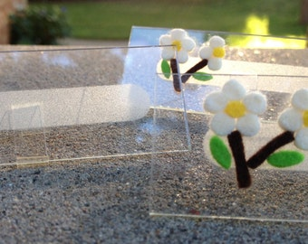 Table Place Cards with Felt Flowers | 8 Microscope Glass Slide Name Cards