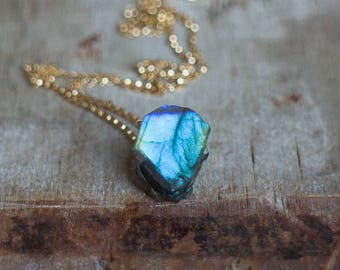 Raw Labradorite Crystal Necklace, Boho Raw Stone Jewelry Gift for Him, Gift for Her