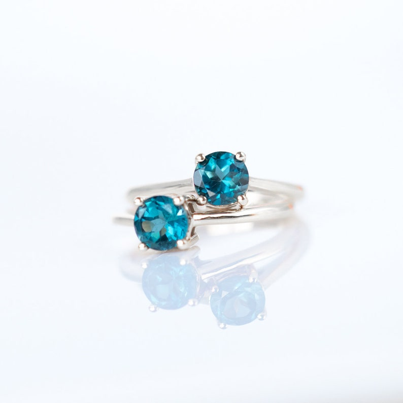 1.06 ct Genuine Blue Topaz Gemstone 925 Sterling Silver Push Back Stud Earrings
