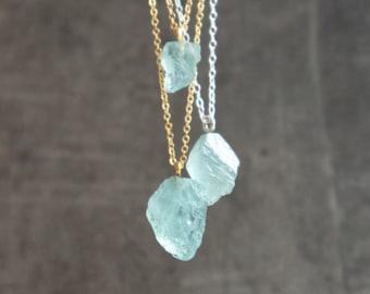 Raw Aquamarine Necklace, Natural Aquamarine Raw Gemstone Necklace, Aquamarine Crystal Necklace in Gold&Silver, March Birthstone Necklace,