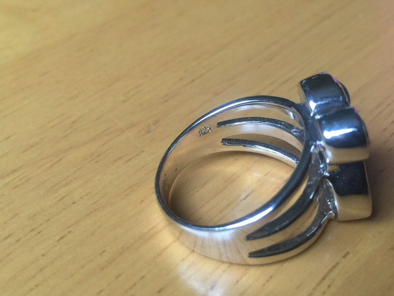 4 crystal stone ring size 8