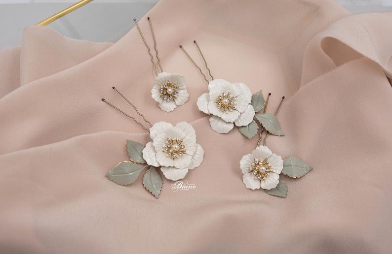 Floral hair pins Bridal hair pins Leaf hair pins Wedding floral headpiece Leaf Hair pins Bridesmaid Bobby pins White flowers hairpiece Effy