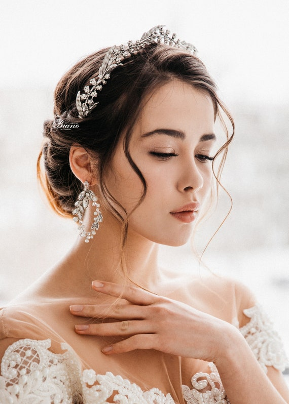 wedding hairpiece silver bridal headpiece bridal bridal pearsl hair vine silver vintage tiara bridal diadem Silver embroidery tiara