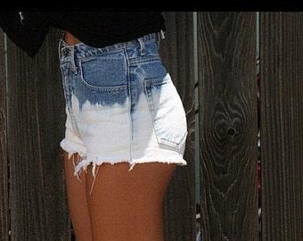Be·Ombre - Levi / LEE / Wrangler etc. // Vintage Distressed Denim Blue Ombre High Waist Shorts