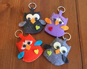 Owl felt key ring