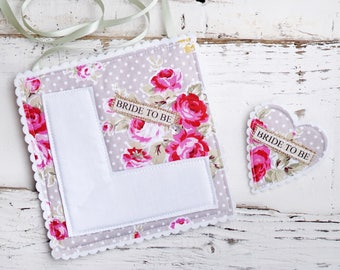 Grey Floral Bride To Be Set - Perfect for vintage hen parties - Grey polka dot, vintage floral hen party - Bride to be badge