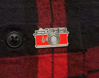 Camera Enamel Pin - Leica Camera Pin Badge - Vintage Camera - Photographer - Camera Accessories - Gift For Him - Gift For Dad - Fathers Day