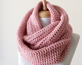 Chunky knit infinity scarf wool scarf chunky knit scarf circle winter scarf womens scarf / FAST DELIVERY