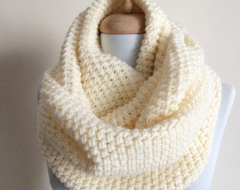 cfc4c8801c01a Large Wool knit infinity scarf wool scarf chunky knit scarf circle winter  scarf womens scarf / FAST DELIVERY