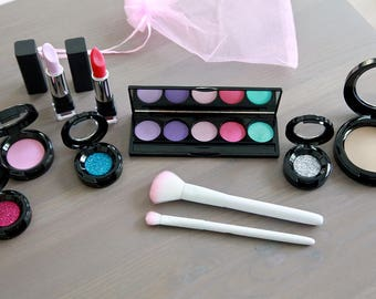 ab3e5e387 Large Pretend Makeup Set For Your Munchkin - Play Makeup - Looks Real Fake  Makeup - Makeup Vanity Set - Makeup Brush Set - Flower Girl Gift