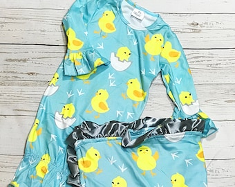Spring Chick Newborn Gown Set and Minky Blanket/  Minky Blanket With Silk Ruffle/ Baby Girl Blanket/ Coming Home Outfit/ Newborn Photo Prop
