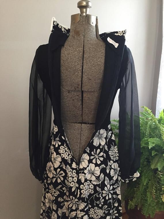 1970's Hostess Maxi Dress - image 7