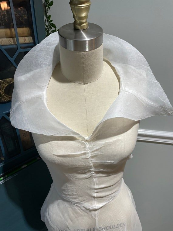 Late 30s Early 40's White Organdy Bias Cut Dress - image 6